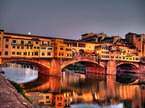 Мост с домами во Флоренции - самый необычный мост в мире